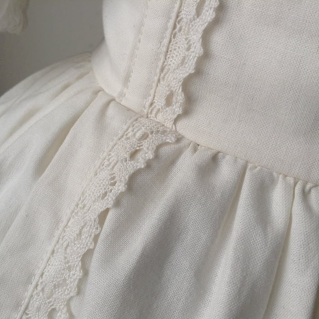 Detail Shiro Lolita Outfit