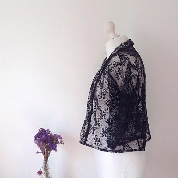 Short Black Lace Kimono