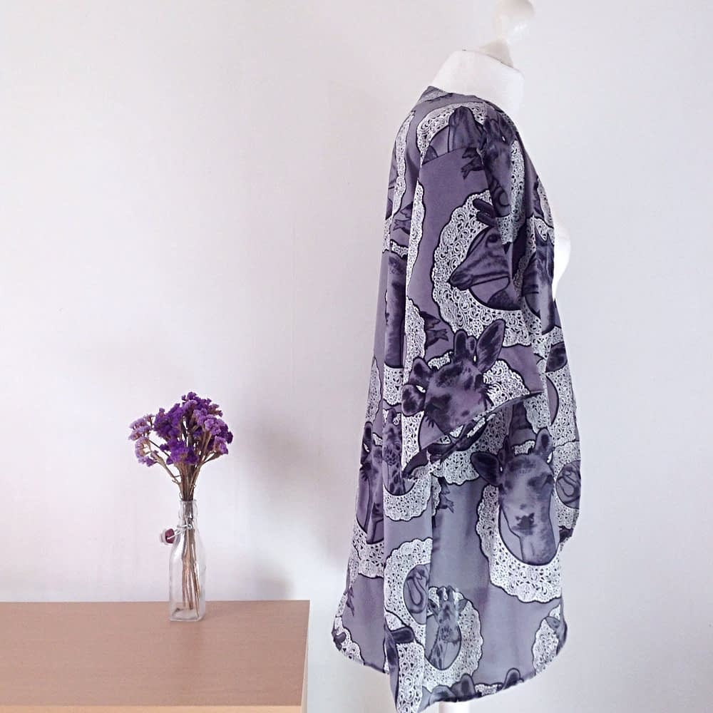 Kimono robe in silk